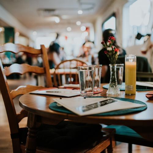 3 Strategies to Set Your Restaurant Apart from Competitors